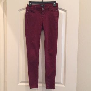 Celebrity Pink maroon skinny jeans size 3